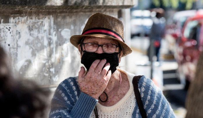 Venezolanos se preguntan qué pueden comprar con una pensión de 1.800.000 Bs.