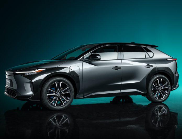 Toyota bZ4X Concept: el SUV eléctrico de Toyota es todo lo que esperas, pero trae sorpresa en el interior