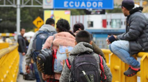 Guillermo Lasso promoverá regulación de venezolanos en Ecuador
