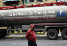 Denuncian pérdida de 3 millones de litros de leche al día por falta de gas oil