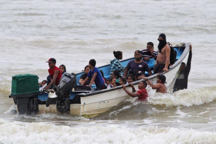 Trinidad y Tobago no se apiada de los venezolanos al enviar a la cárcel a 17 migrantes