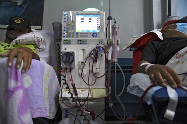 Más del 30% de las máquinas de diálisis están paralizadas en Venezuela