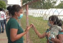 Enfermera venezolana ayuda a los desplazados en Arauquita