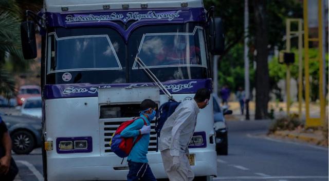 """Así funcionará el transporte público durante la semana de """"cuarentena radical"""""""