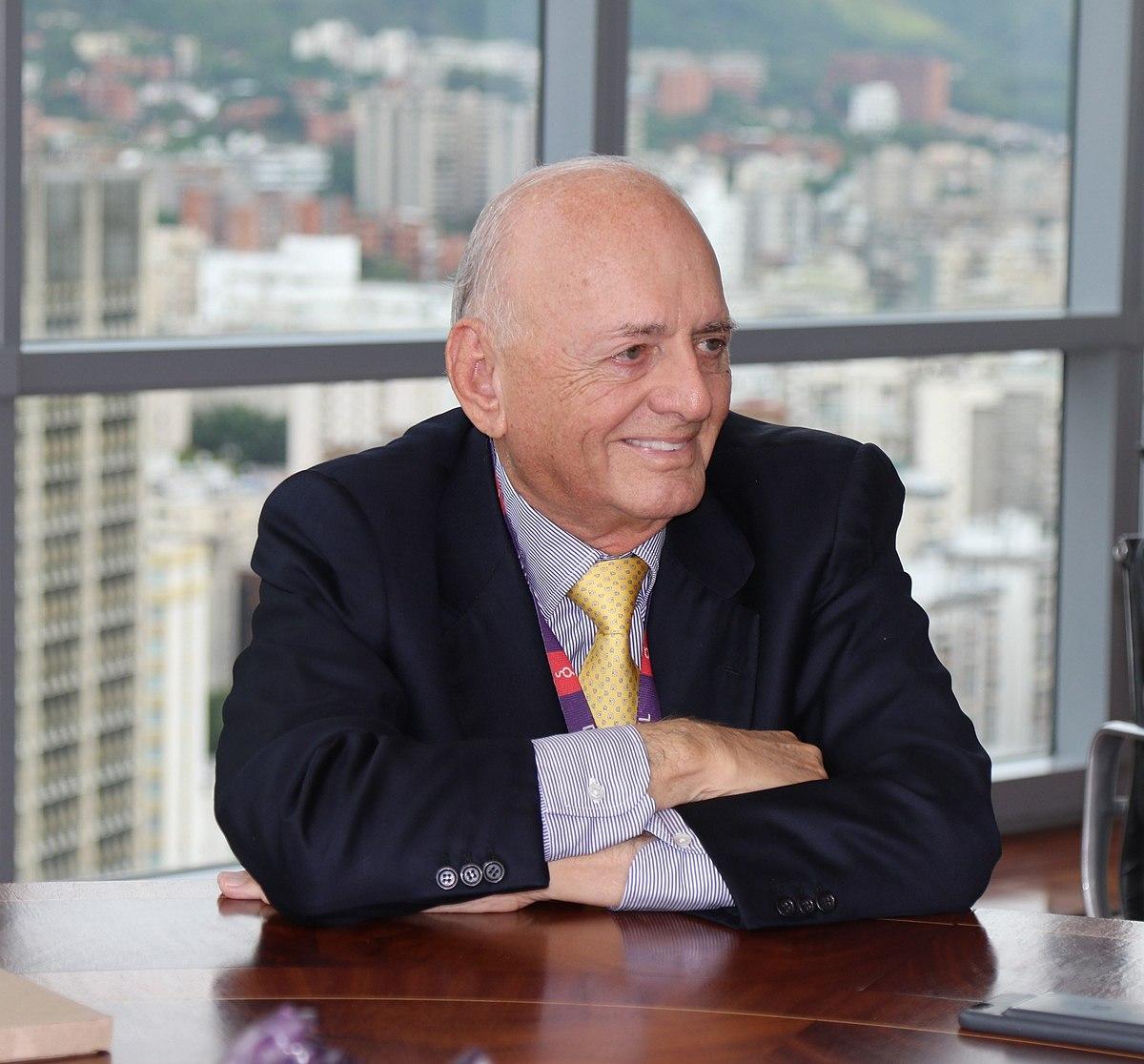 La fabulosa fortuna de Oswaldo Cisneros entra en un escenario de conflicto