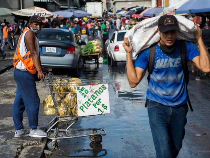El venezolano cambió sus hábitos de compra en mercados pequeños