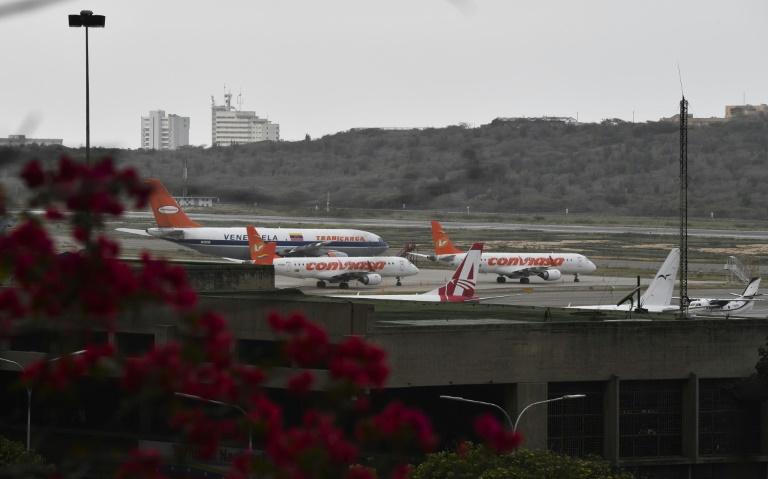 Discuten nueva ley de aeronáutica