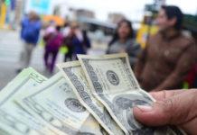 """BCV tiene """"las manos atadas"""" ante escalada del dólar"""