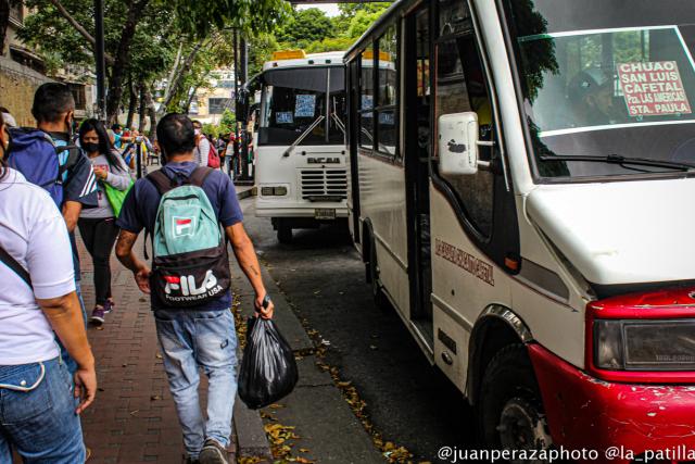 Falta de repuestos e hiperinflación colapsaron el transporte público