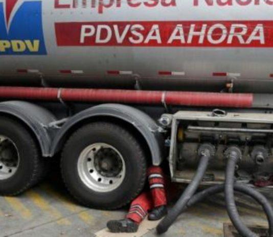 Aseguran que 40% de la producción de gasolina de PDVSA se distribuye en Caracas