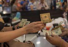 """La reconversión monetaria """"haría más fácil al venezolano"""" las transacciones en dólares, apuntó Bárcenas"""